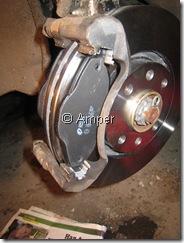 Новый тормозной диск и колодки Peugeot 308